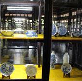 Trưng bày cổ vật quý triều Nguyễn