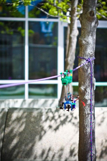 SkySweeper – Robot kiểm tra đường dây điện giá rẻ