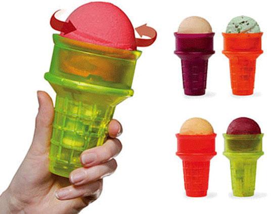 Dụng cụ cầm hộ kem ăn không bẩn tay (cây kem sẽ tự trồi lên cho người ăn).