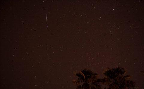 Cảnh tượng sao băng được nhiếp ảnh gia chụp tại Tucson, Arizona.