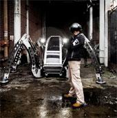 Video: Mantis – robot người lái 2 tấn
