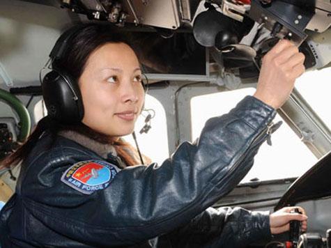 2012: Trung Quốc đưa nữ phi hành gia vào vũ trụ