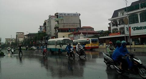 Đảo lộn vì mưa đầu mùa, thời tiết thất thường