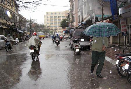 Thêm không khí lạnh, Bắc và Trung Bộ tiếp tục mưa diện rộng
