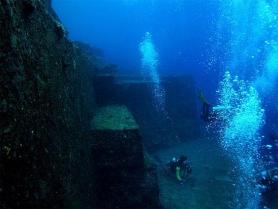 Tàn tích ngập dươi nước này có ước tính khoảng 8.000 năm tuổi