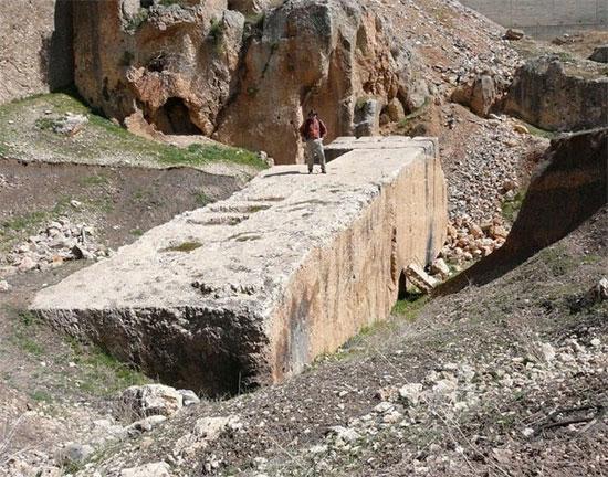 Khối cự thạch cổ Baalbeck