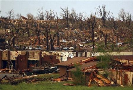 Cảnh tượng lốc xoáy kinh hoàng tại Mỹ