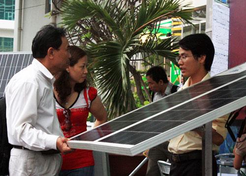 Thi thiết kế xe chạy năng lượng mặt trời