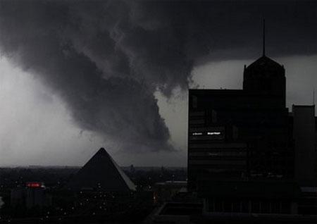 Bão lớn ập xuống miền trung Mỹ