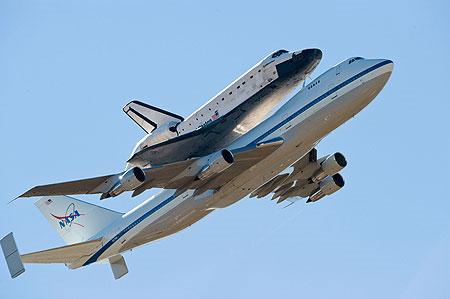 Hành khách yên tâm: Máy bay chống sét tốt!