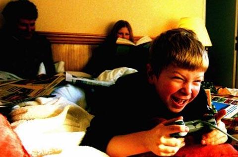 Facebook làm suy yếu thể chất trẻ em