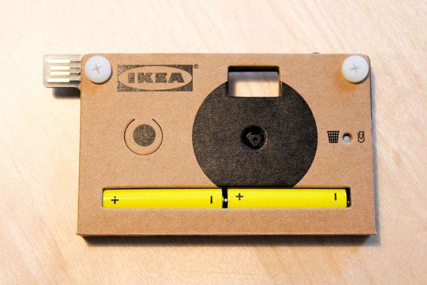 Máy ảnh vỏ bằng bìa cứng