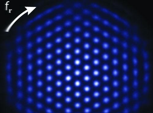 Phát triển thiết bị mô phỏng lượng tử mạnh nhất