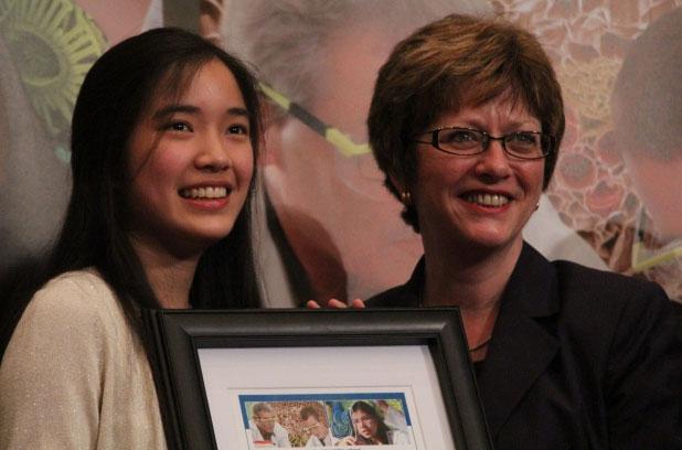 Nữ sinh đoạt giải thưởng lớn nhờ tìm ra chất chống lão hóa