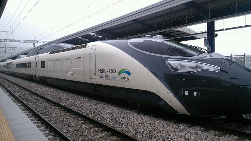 Hàn Quốc phát triển loại tàu điện cao tốc thế hệ mới