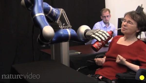 Robot có thể hành động theo suy nghĩ con người