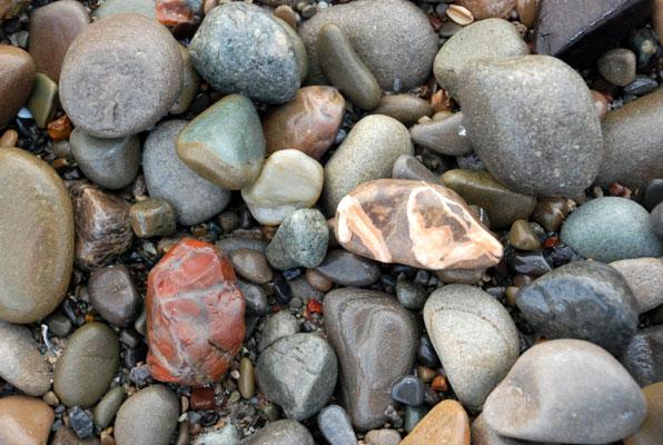 Coi chừng bỏng nặng vì đá từ bãi biển