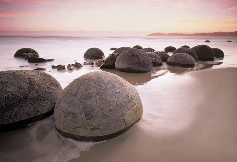 Bí ẩn những bãi đá tròn kỳ lạ trong tự nhiên