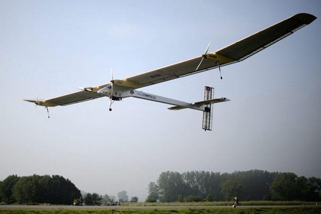 Máy bay năng lượng mặt trời bay xuyên lục địa