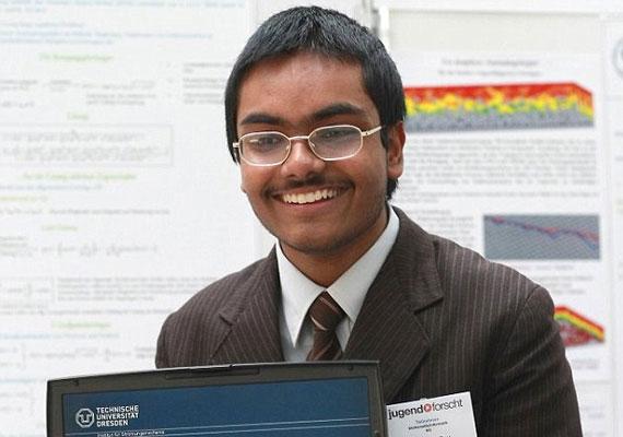 Học sinh 16 tuổi chinh phục bài toán thế kỷ