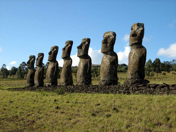 Tượng đá bí ẩn trên đảo Phục Sinh