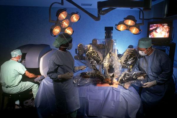 Nga chế tạo thành công robot phẫu thuật thế hệ mới