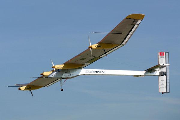 Máy bay năng lượng Mặt Trời hoãn bay tới Morocco