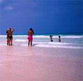 """Vẻ đẹp kỳ lạ của những bãi biển """"độc nhất vô nhị"""""""