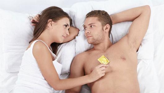 Nên thực hiện các biện pháp an toàn khi quan hệ tình dục