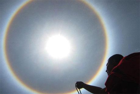 Hào quang xuất hiện tại Trung Quốc
