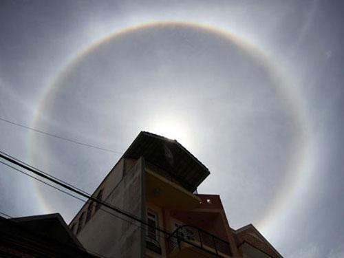 """Hiện tượng """"quầng mặt trời"""" tại thành phố Đà Lạt"""