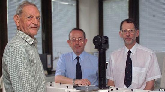 Người phát hiện lỗ thủng tầng ozon qua đời