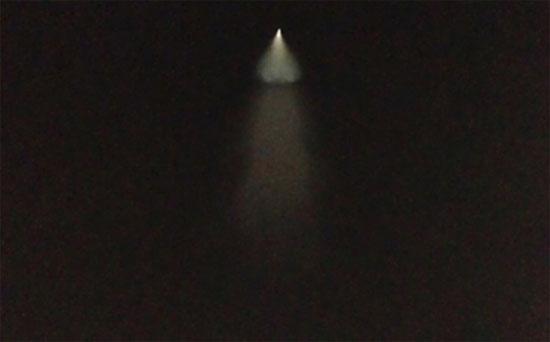 Người Trung Quốc xôn xao vì vật thể bay phát sáng