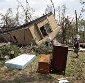 Lốc xoáy quét qua miền nam nước Mỹ, 37 người chết