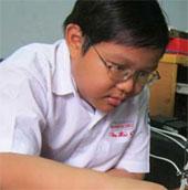 Cậu bé 12 tuổi sáng chế bảng điều khiển thông minh