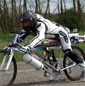 Video: Xem xe đạp chạy tốc độ 262,3km/h