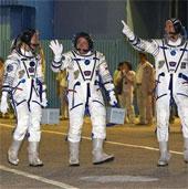 Video: Cảnh tượng phi hành gia lên trạm vũ trụ