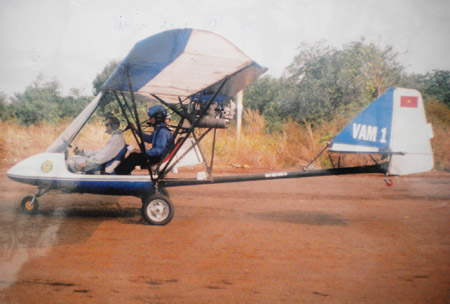 """Máy bay siêu nhẹ: 45 phút bay và 6 năm """"đắp chiếu"""""""