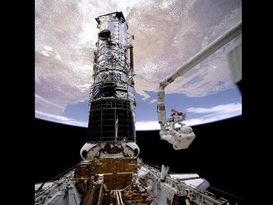 NASA cho phóng tàu con thoi Endeavour vào ngày 2/12/1993
