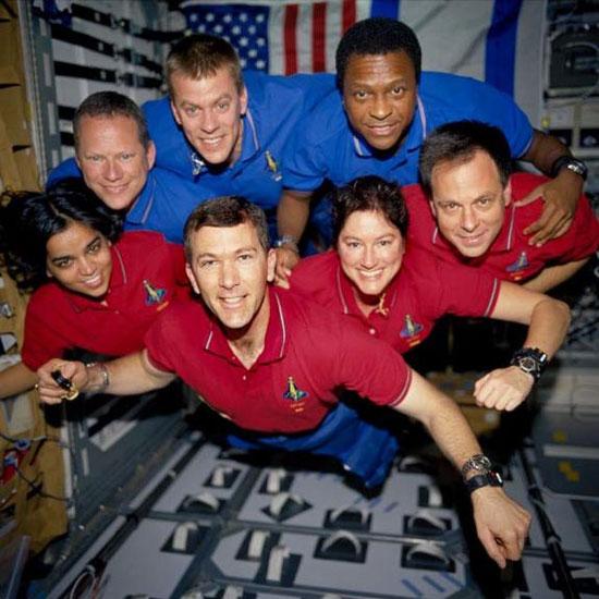Thảm họa tàu con thoi Columbia vào ngày 1/2/2003 đã làm chương trình tàu con thoi của NASA tuột dốc thê thảm