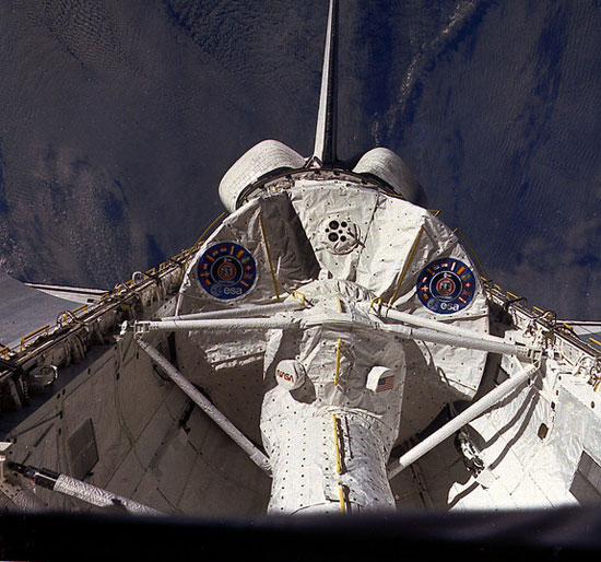 Chuyến bay thứ 9 của tàu con thoi Columbia bay vào vũ trụ ngày 28/11/1983