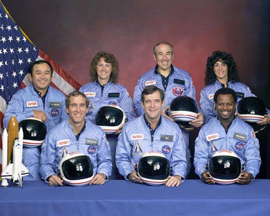 7 nhà du hành vũ trụ đã thiệt mạng do tàu con thoi Challenger bị phá hủy sau khi được phóng lên