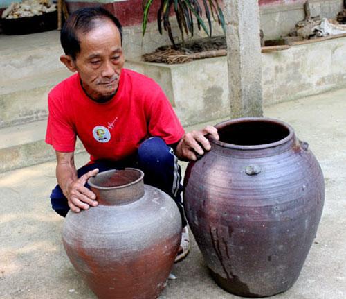 Ngắm đồ gốm cổ 300 năm tuổi