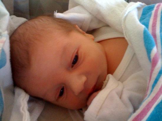 Xét nghiệm nước bọt tìm nguy cơ bị điếc ở trẻ sơ sinh