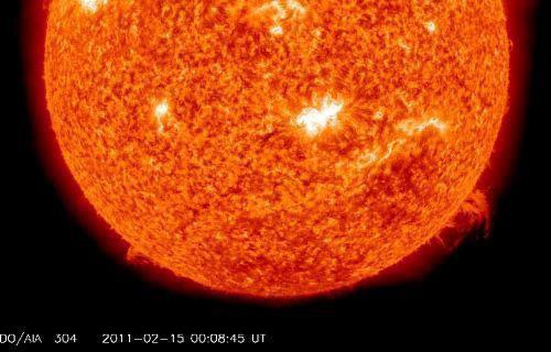 """Video: """"Bão lửa"""" từ mặt trời đe dọa trái đất"""