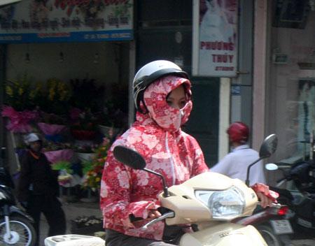 Hôm nay, Hà Nội nắng nóng ngoài trời chạm ngưỡng 40 độ C