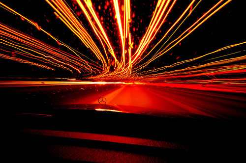 Tốc độ ánh sáng phụ thuộc vào hướng