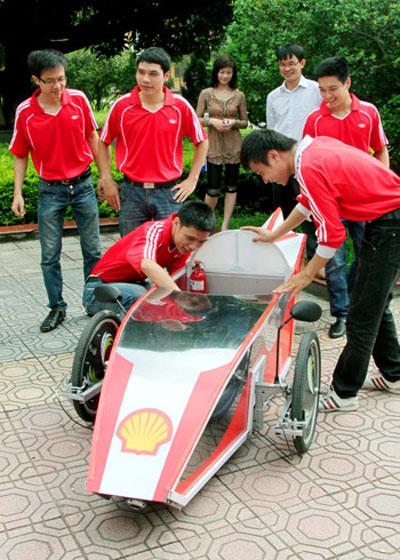 Sinh viên tự chế tạo ôtô tiết kiệm năng lượng