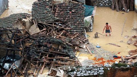 Lũ lụt nặng nhất trong 55 năm tấn công Trung Quốc