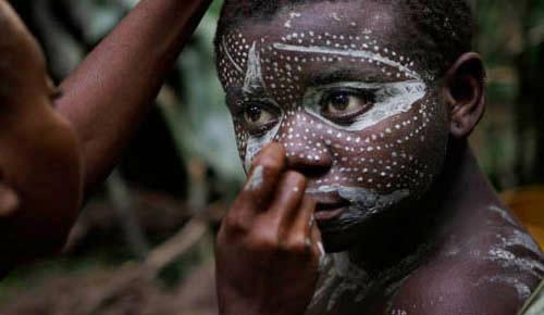 Người lùn Pygmy: Nơi bé gái 8 tuổi đã thành đàn bà